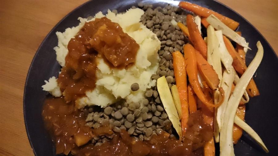 Herfst op je bord: pastinaken, wortels, aardappelpuree, linzen enuienjus!